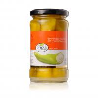 Перец зеленый, фаршированный сыром, в масле
